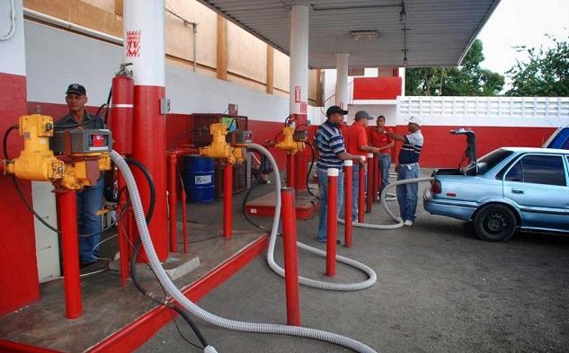Precios de los combustibles suben hasta RD$ 2.90, incluido el GLP