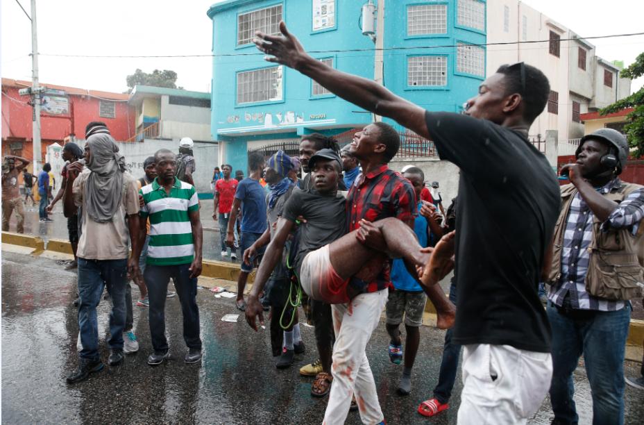 Crisis en Haití: Incendian escombros y piden a gritos renuncia del presidente Jovenel Moïse