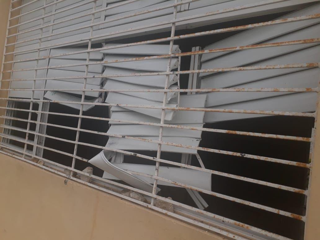Minerd: apresan dos de 11 acusados de causar destrozos en liceo Ramón Matías Mella de Barahona