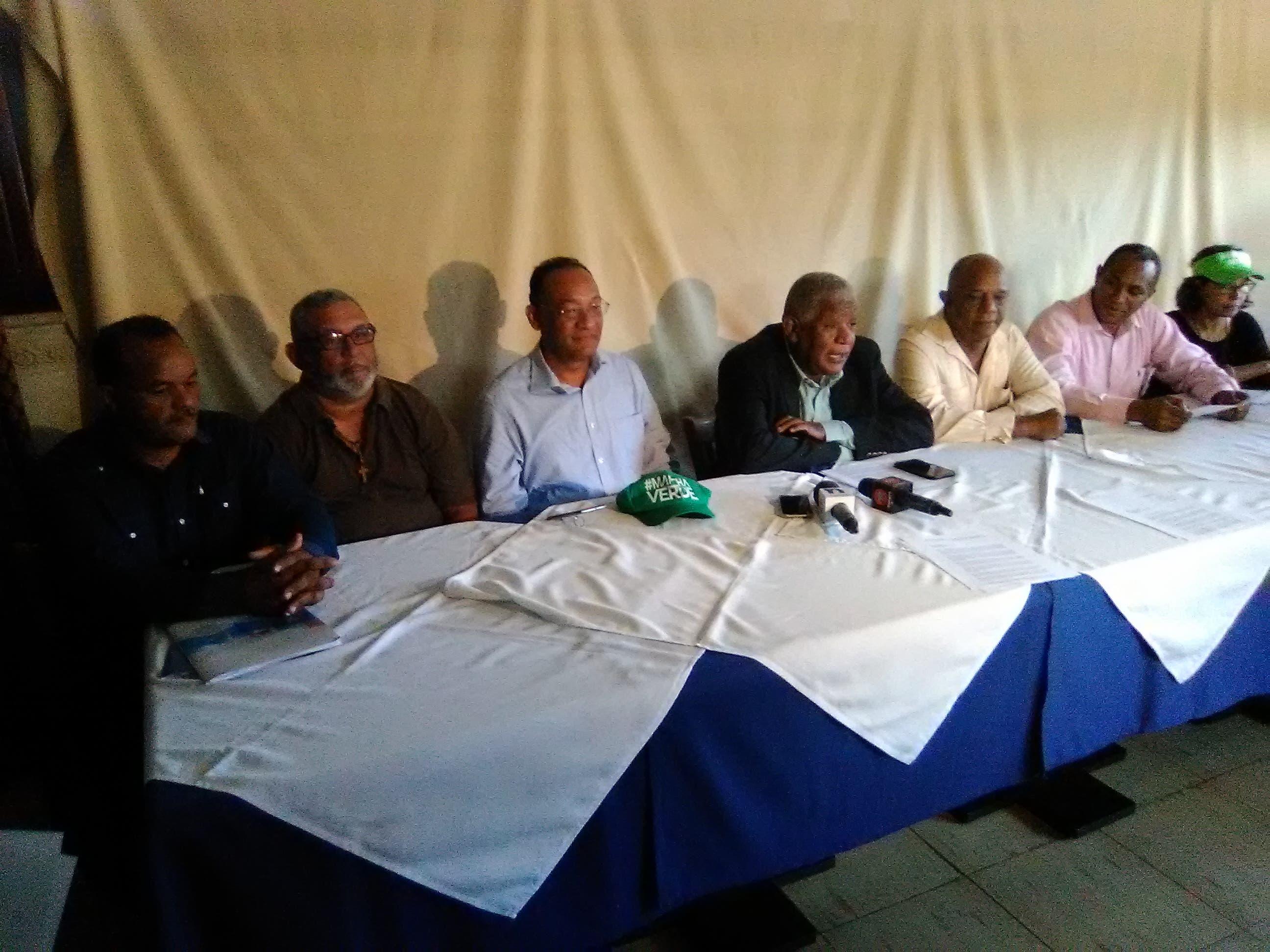 Video: Movimiento italiano viene a RD en busca de respuesta sobre participación empresa en actos «corrupción» en Punta Catalina