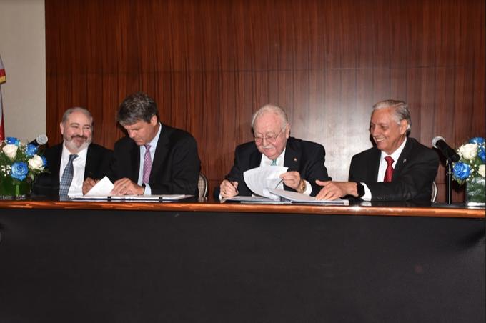EEUU financiará estudio de factibilidad por US$1.2 MM para una terminal de Gas Natural y una generadora en Montecristi