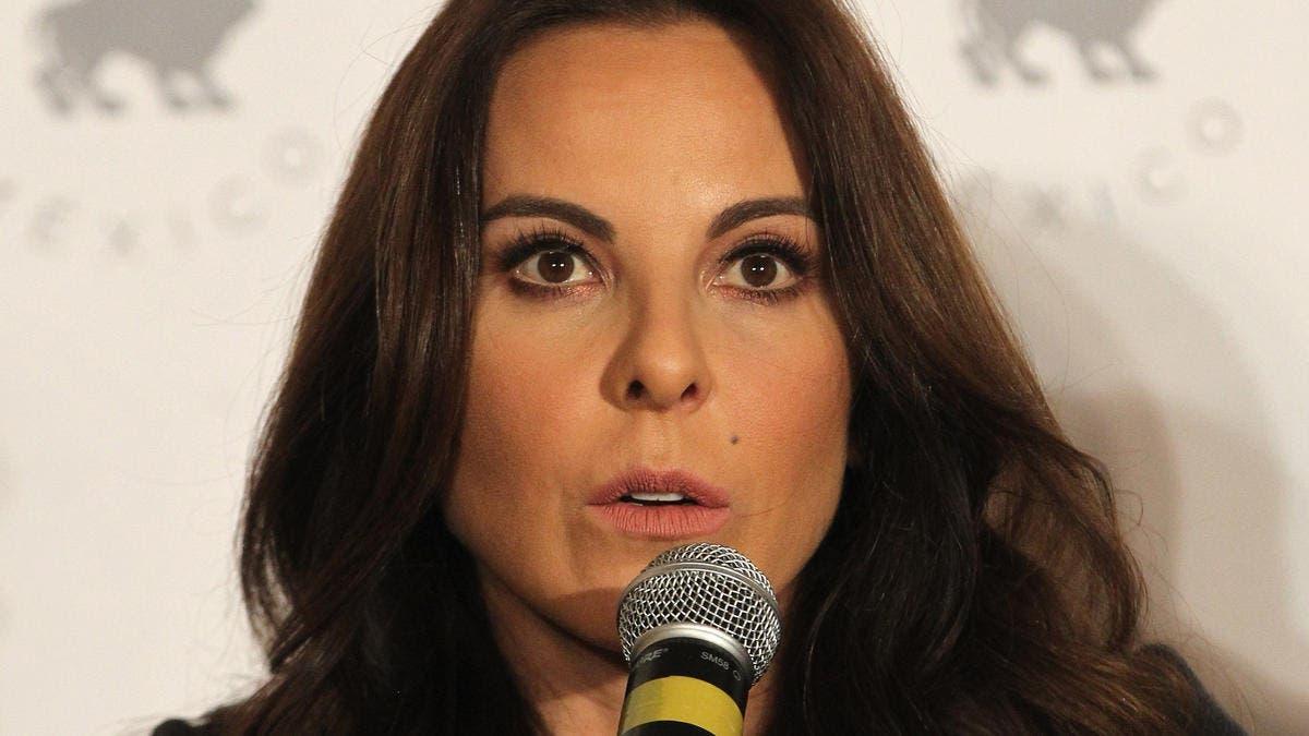 """Video: Actriz mexicana Kate del Castillo se enfada con reportero que la llama """"amor»"""