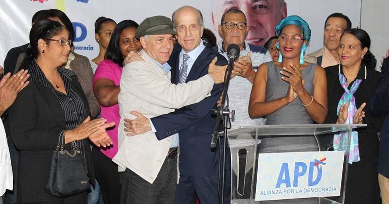 Manuel Jiménez recibe apoyo de Max Puig para alcaldía SDE