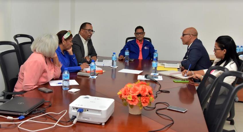 Ministerio de Educación plantea a la ADP se imparta docencia sin interrupciones