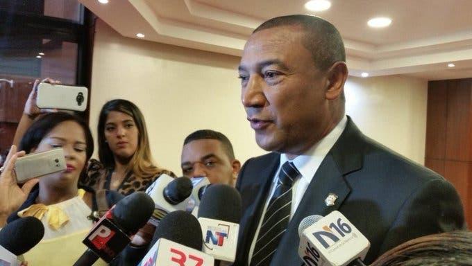 Ladrones destrozan vivienda del senador Santiago Zorrilla