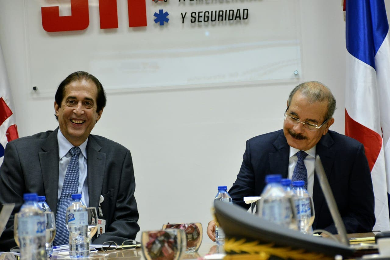 Danilo Medina conoce avances y desafíos del sistema 9-1-1