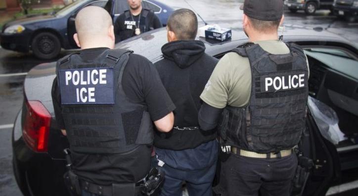 Dominicanos entre 136 inmigrantes arrastrados en operativos en Nueva York y Nueva Jersey