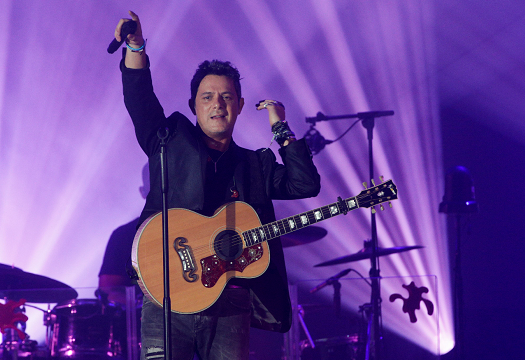 Alejandro Sanz dedica a su equipo sus 8 nominaciones a los Latin Grammy