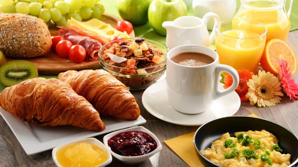 ¿Por qué es importante consumir un desayuno saludable? aquí te explicamos