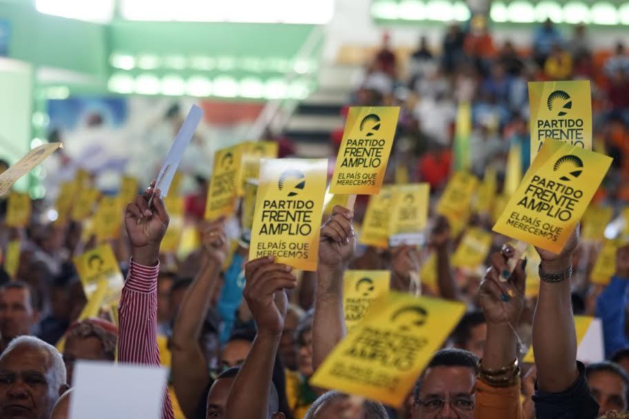 Frente Amplio: Hay que superar fraudes, corrupción y desigualdad social