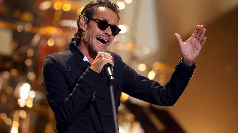 Marc Anthony rinde homenaje a José José en los Latin American Music Awards