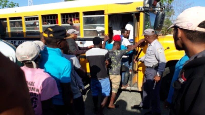 Migración arrecia operativos en contra de ilegales en las últimas horas