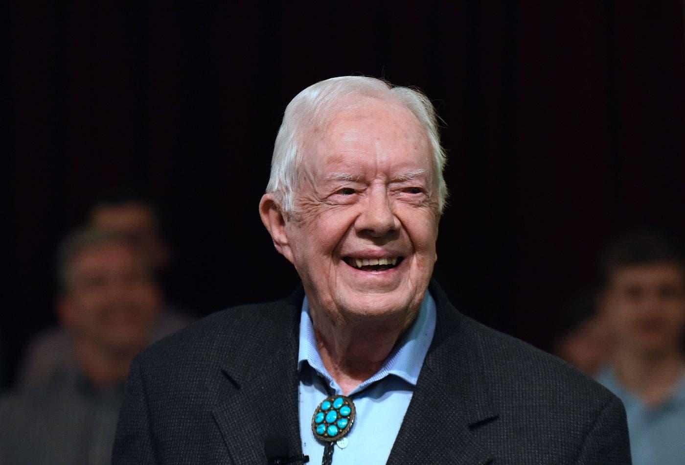 Expresidente de EE.UU. Jimmy Carter se fractura su pelvis al caerse en casa