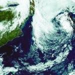MIA02. MIAMI (FL, EEUU), 12/10/2019.- Fotografía tomada a las 14.01 hora local (20:01 GMT) cedida este sábado por la Administración Nacional Oceánica y Atmosférica (NOAA) por vía del Centro Nacional de Huracanes (NHC) de EE.UU. donde se muestra la ubicación de la tormenta subtropical Melissa. La tormenta subtropical Melissa, que se formó el viernes en el Atlántico al sureste de Nueva Inglaterra (EE.UU.), continúa alejándose de Estados Unidos hacia el este-noreste y se espera que baje la fuerza de sus vientos en las próximas horas hasta convertirse en depresión tropical. A las 11.00 de este sábado (15.00 GMT), Melissa fue localizado por el Centro Nacional de Huracanes (NHC, con sede en Miami) aproximadamente 265 millas (430 km) al sureste de Nantucket, Massachusetts (EE.UU.). EFE/NOAA-NHC/SOLO USO EDITORIAL/NO VENTAS