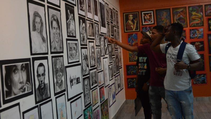 Esquina joven en UASD. Santo Domingo Rep. Dom. 23 de octubre del 2019. Foto Pedro Sosa