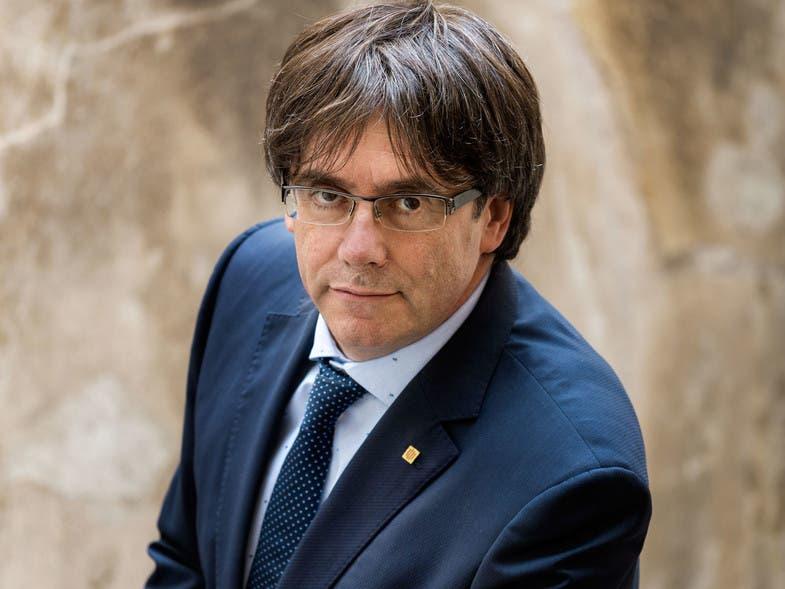 Juez en España emite orden de arresto internacional para Puigdemont