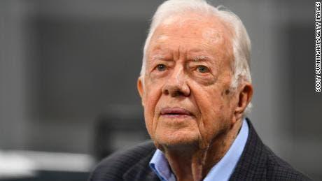 Hospitalizan al ex presidente de EU, Jimmy Carter
