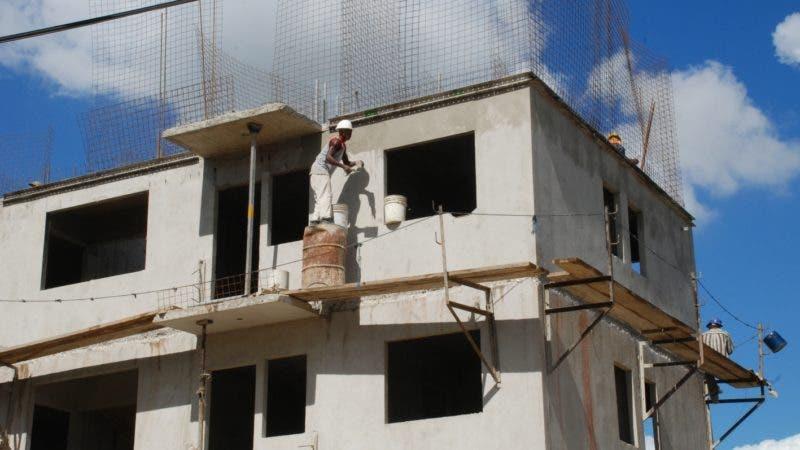 El País.- Construcción de la Cañada de Guajimía de Santo Domingo Oeste. En foto los apartamentos en construcción. República Dominicana.  Hoy 25-11-09.   Juan Faña.