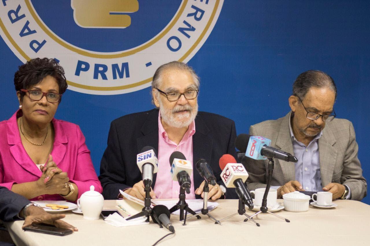 """PRM: """"reforma al presupuesto incluye gastos ilegales y no paga a contratistas»"""