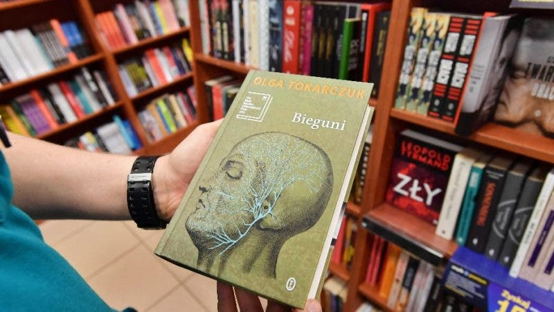 Szczecin (Poland), 11/10/2019.- The book 'Flights' of Polish novelist, poet and essayist Olga Tokarczuk is displayed in a bookstore in Szczecin, Poland, 11 October 2019. Olga Tokarczuk has won the 2018 Noble Prize for Literature, the Swedish Academy announced on 10 October 2019. (Polonia, Suecia) EFE/EPA/Marcin Bielecki POLAND OUT