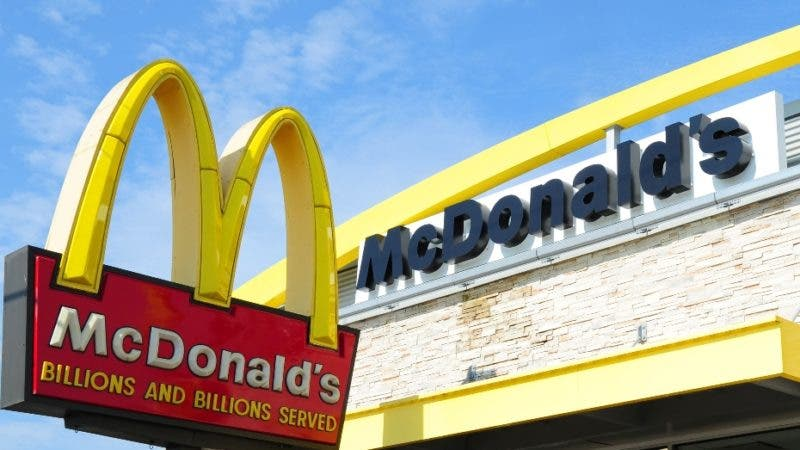 """(FILES) This file photo taken on September 10, 2016 shows  a McDonald's restaurant in Gettysburg, Pennsylvania. McDonald's is investigating an apparent hack into its Twitter feed following a briefly-posted diatribe against US President Donald Trump, the fast-food giant said on March 16, 2017. The fake tweet offered an uncharitable appraisal of Trump, saying, """"You are actually a disgusting excuse of a President and we would love to have Barack Obama back, also you have tiny hands.""""  / AFP / Karen BLEIER"""