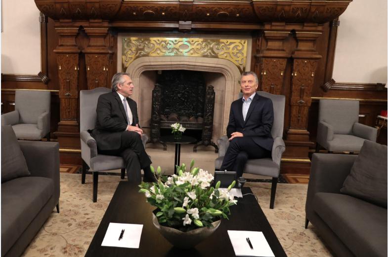 ¿Igualito que aquí? Macri y Fernández dan comienzo al proceso de transición de mando en Argentina