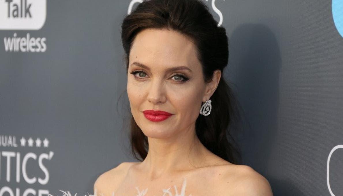 Angelina Jolie vende cuadro que Churchill regaló a Franklin D. Roosevelt