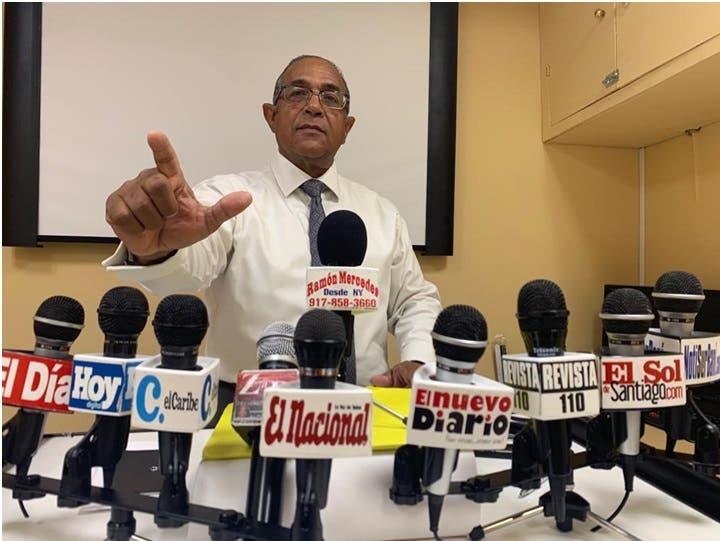 Video: Demanda quitar nombre de su padre seccional PLD-NY; seguirán a Leonel