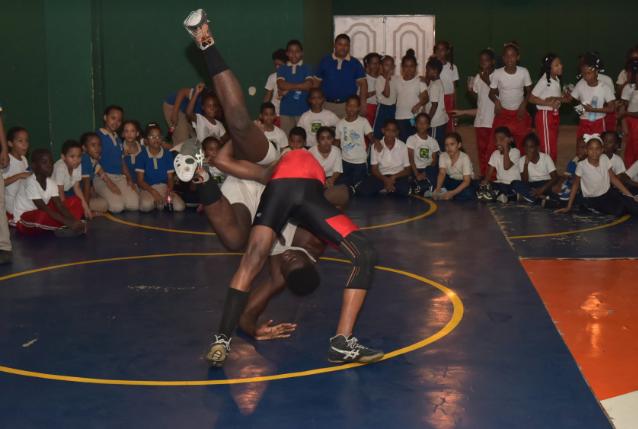 Minerd, Fedoclubes e Inefi celebran Día de los Clubes Deportivos Escolares