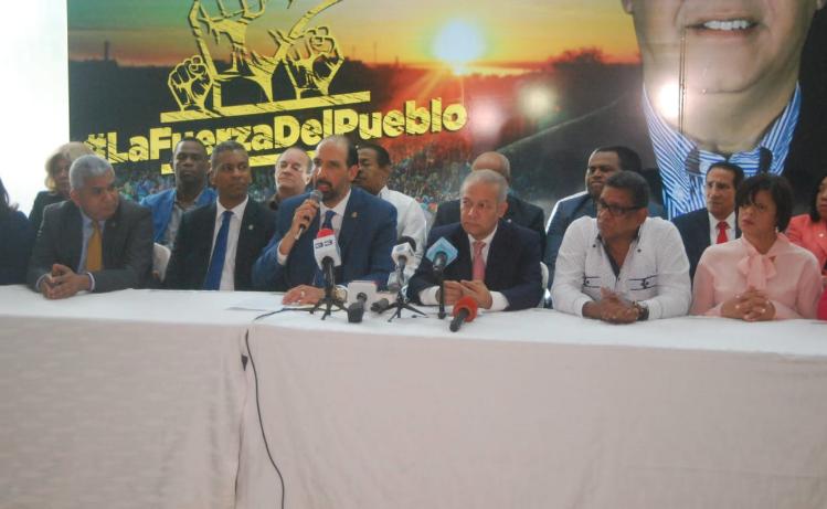 """Grupo de 27 diputados renuncian del PLD y anuncian bloque «La Fuerza del Pueblo"""""""