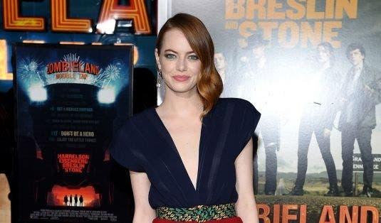 """Rosario Dawson y Emma Stone reinan en el estreno de """"Zombieland, Double Tap»"""
