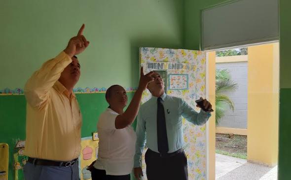 Reanudan docencia en liceo Eugenio María de Hostos en Sabana Perdida