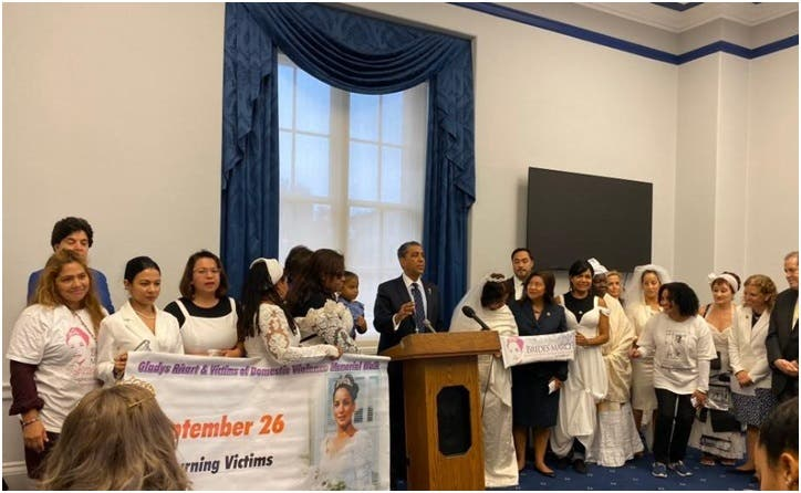 Adriano Espaillat truena desde el Congreso EE. UU. contra la violencia doméstica