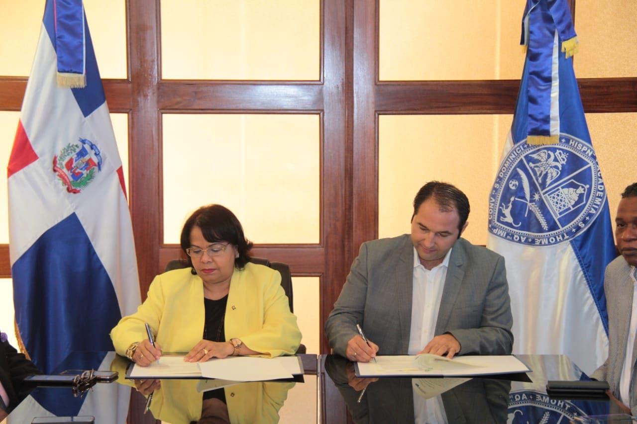 UASD pacta con Oxfam para impulsar investigaciones sobre riesgos de desastres