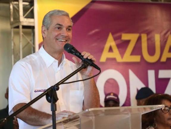 Gonzalo Castillo: Soy un líder sencillo, humilde, que viste camisas mangas cortas