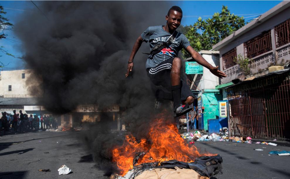 Al menos un muerto y un herido durante las protestas en Haití