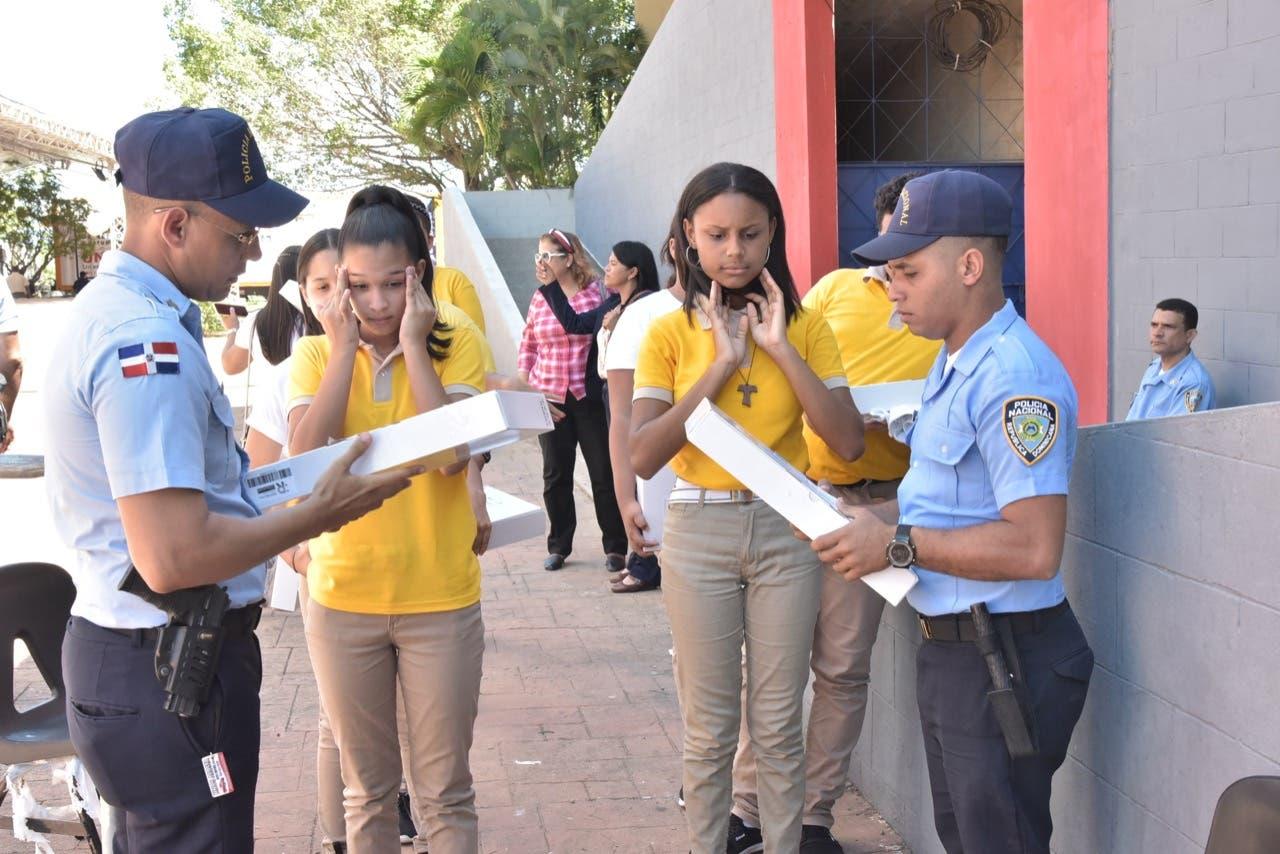 MINERD reconoce rol de la Policía Escolar en seguridad de estudiantes y docentes