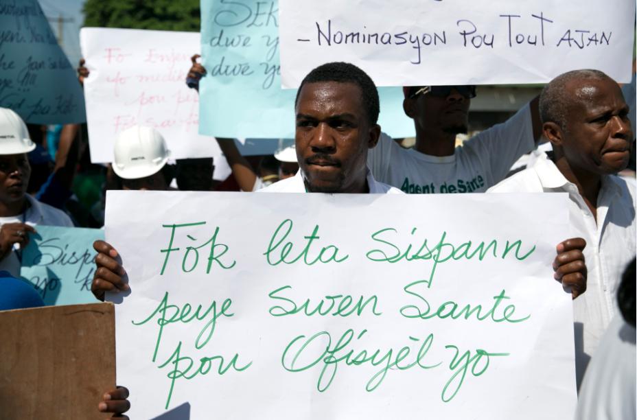 Crisis Haití: Cientos de médicos y trabajadores de la salud exigen renuncia de Jovenel Moise