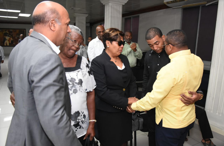 Celebran misa en memoria fanecido alcalde Radhamés Castro