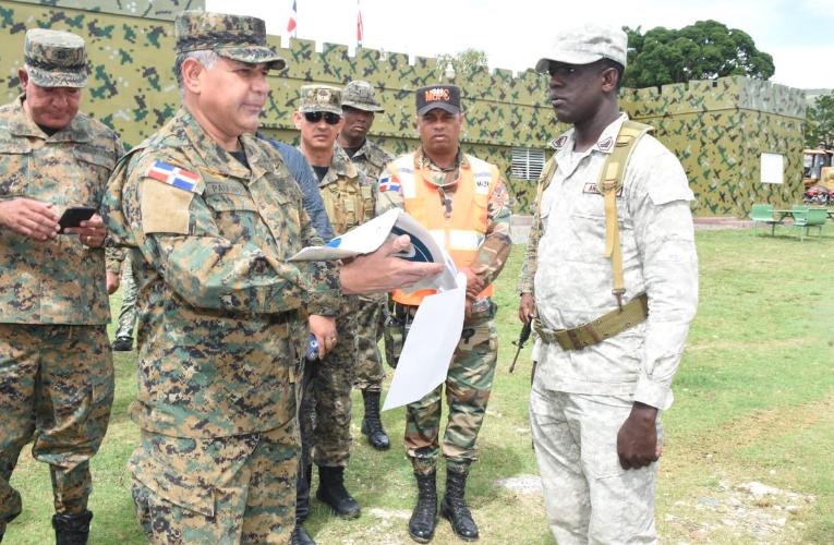 Ministro Defensa aumenta a 9,100 agentes en frontera por crisis en Haití