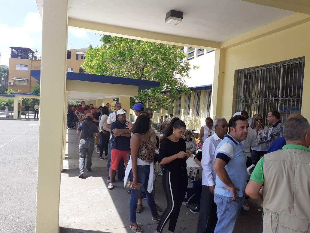 Video: Versiones de los votantes en los diferente centros electorales del Distrito Nacional