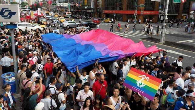 Unas 200 mil personas marchan en Taipei en el Desfile del Orgullo