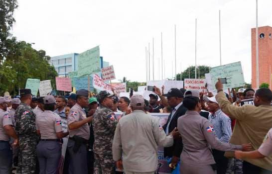 Organizaciones: Es preocupante para el estado de derecho de RD forma en que fueron desalojados peregrinos del Palacio