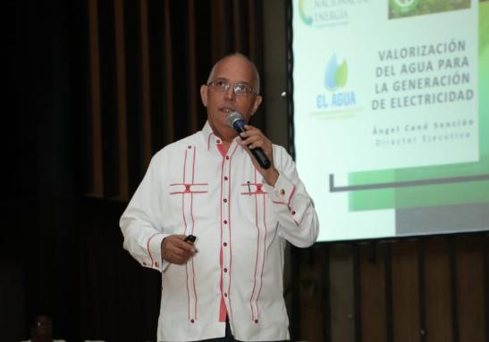 Director de la CNE pondera uso del agua para la generación eléctrica