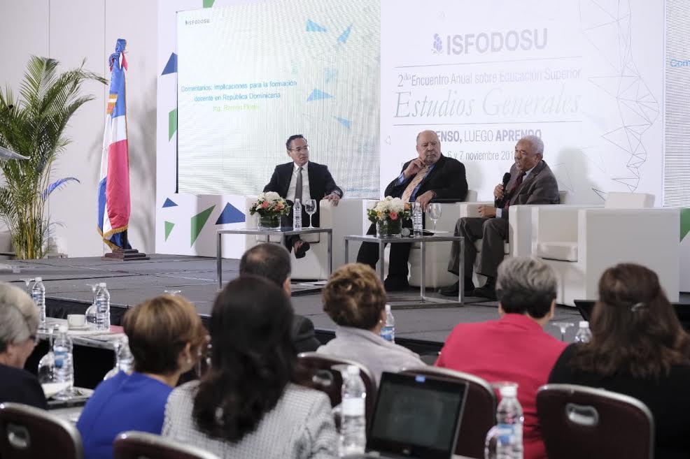 ISFODOSU considera necesario impartir en las instituciones educativas programas de estudios generales