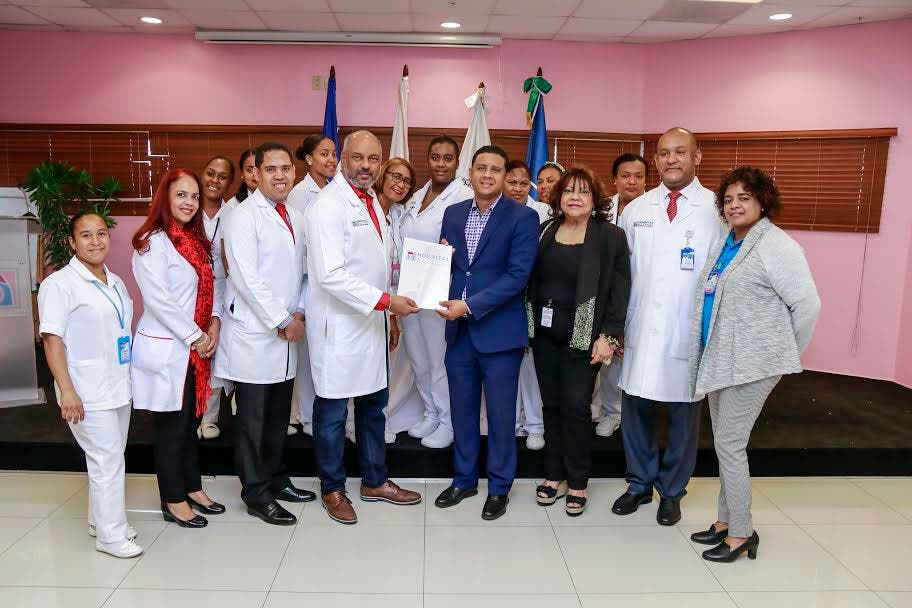 ITSC y Hospital Materno Dr. Reynado Almánzar ratifican convenio de colaboración