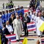Bangkok (Thailand), 20/11/2019.- Pope Francis arrives at Military Air Terminal of Don Muang Airport in Bangkok, Thailand, 20 November 2019. (Papa, Tailandia) EFE/EPA/CIRO FUSCO