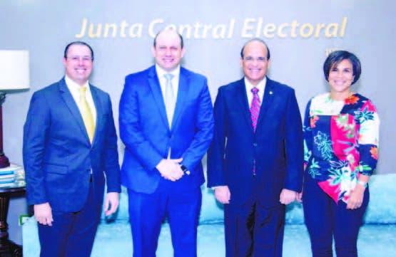JCE y Microsoft valoran tecnología usadas en voto