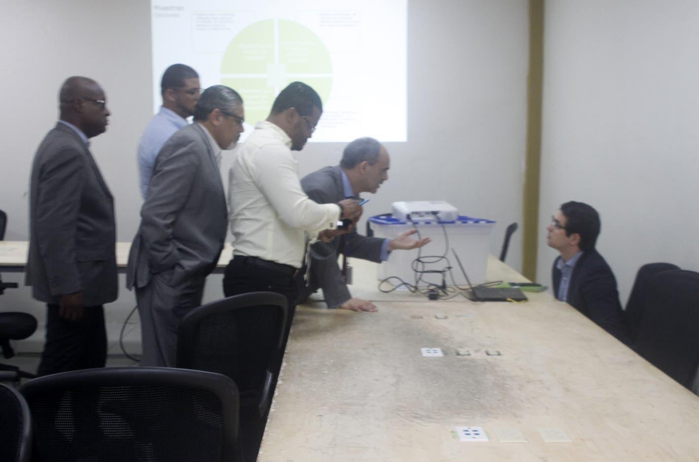 JCE  acoge auditar   30% mesas  y otras propuestas  del PRM