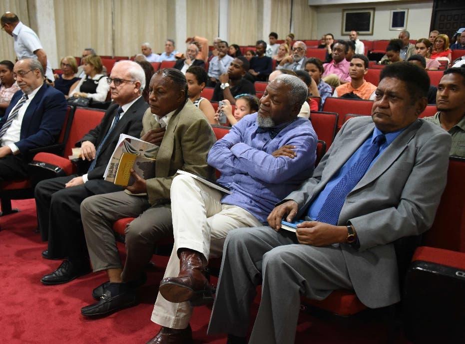 Cultura concluye con éxito el  primer Festival Nacional de Poesía
